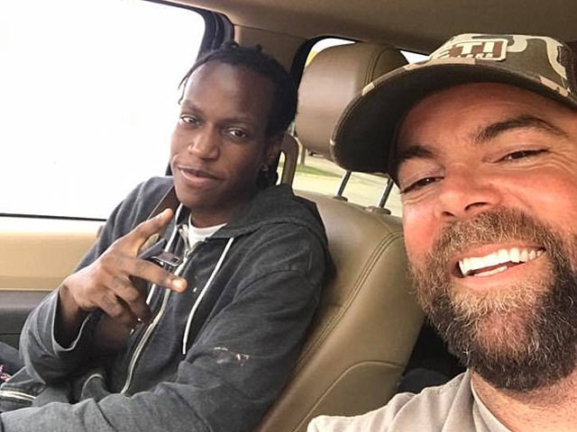 Loving strangers buy car for 20-year-old Texas man who walks 3 miles to work every day (VIDEO)