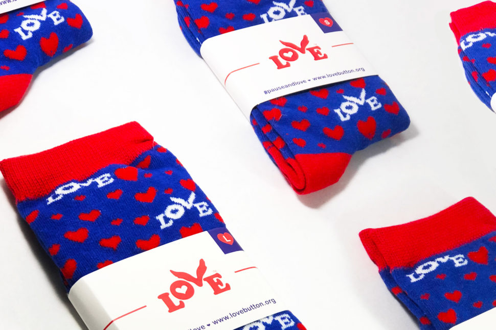 LIMITED TIME: Love Button Socks 60% OFF
