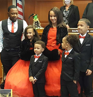 Foster Dad Adopts 5 Siblings