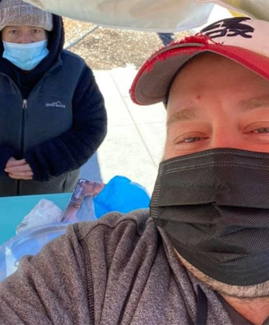 Man Buys All of Vendor's Tamales to Give to Homeless